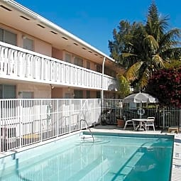 Bermuda House Apartments - Miami, Florida 33136
