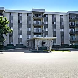 Imperial Tower Apartments - Waukegan, Illinois 60085