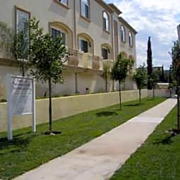 Satsuma Luxury Townhomes - North Hollywood, California 91601