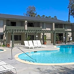 Americana Warner Center Apartments - Canoga Park, California 91303