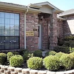 Shiloh Park Townhomes - Plano, Texas 75074