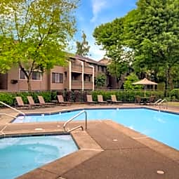 Yarrowood Highlands - Bellevue, Washington 98004