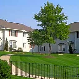 Brentwood Apartments - Painesville, Ohio 44077