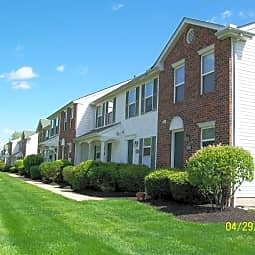 Creekside Townhomes - Columbus, Ohio 43228