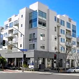 Luxe@1410 - Santa Monica, California 90401