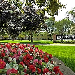 Drakeshire Apartments - Farmington, Michigan 48335