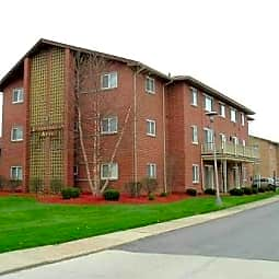 Stoneybrook Apartments - Bedford Heights, Ohio 44146