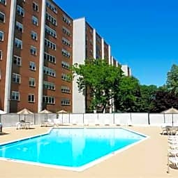River Plaza Apartments - Paterson, New Jersey 7514