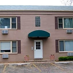 Park West Apartments - Libertyville, Illinois 60048