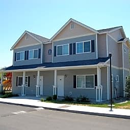 Parkwood Twinhomes Apartments - Sunnyside, Washington 98944