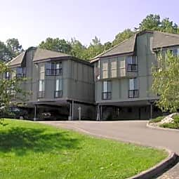 Lakeshore Villa Apartments - Port Ewen, New York 12466