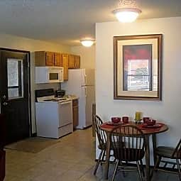 Quincy Court Apartments - Onalaska, Wisconsin 54650