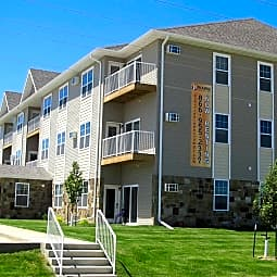 Custer Crossing Apartments - Dickinson, North Dakota 58601
