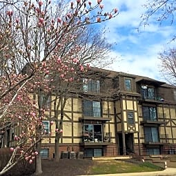 Highpointe Apartments - Overland Park, Kansas 66202