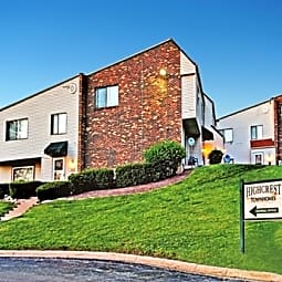 Highcrest Townhomes - Woodridge, Illinois 60517