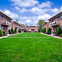 Alpine Court Apartments - Stratford, New Jersey 8084