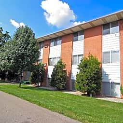 Woodlawn Park Apartments - Flint, Michigan 48503