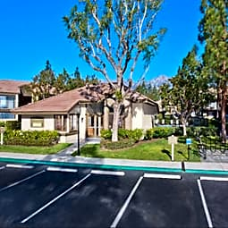 Evergreen Apartments & Townhomes - Rancho Cucamonga, California 91730