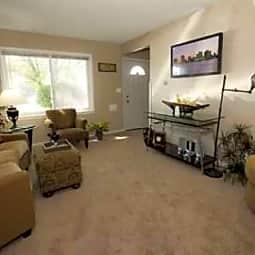 Brentwood Park Apartments - Hopkins, Minnesota 55305