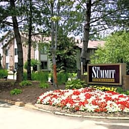The Summit Apartments - Farmington Hills, Michigan 48334