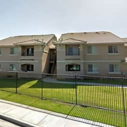 LA Amistad Apartments - Arvin, California 93203