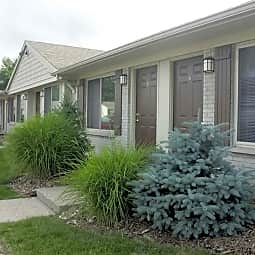 Davis Creek Apartments - Portage, Michigan 49002