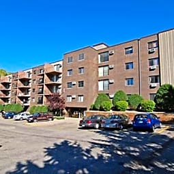 Creek Point Apartments - Hopkins, Minnesota 55343