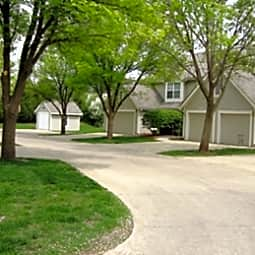 Ashworth Pointe - West Des Moines, Iowa 50266