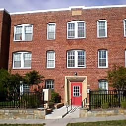 Fairlawn Marshall Apartments - Washington, District of Columbia 20020