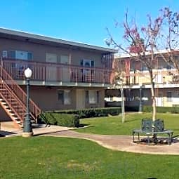 Fultonia Apartments - Fresno, California 93728
