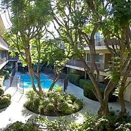 Newcastle Towers Apartments - Encino, California 91316