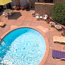 Foxfire Apartments - Glendale, Colorado 80246