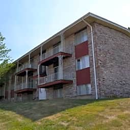 Stonleigh Apartments - Leavenworth, Kansas 66048