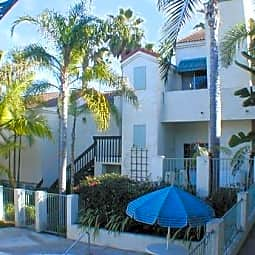 San Katrina Apartments - Carlsbad, California 92008
