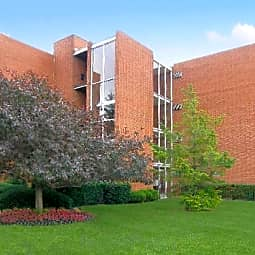 Woodward North Apartments - Royal Oak, Michigan 48073