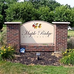 Maple Ridge Apartments - Lower Burrell, Pennsylvania 15068