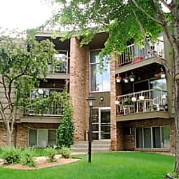 Silver View Villa - New Brighton, Minnesota 55112