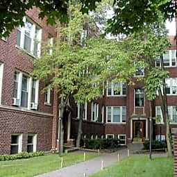 2139 West Lunt Avenue Apartments - Chicago, Illinois 60645