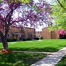 Village Townhomes - Midland, Michigan 48642