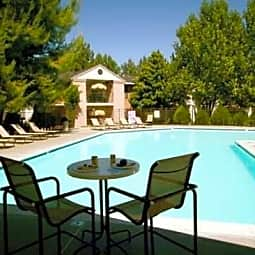 Mountain Vista Apartments - Victorville, California 92392