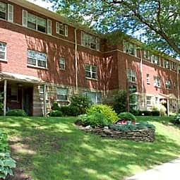 Oak Manor Apartments - Ridgewood, New Jersey 7450