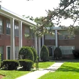 White Bluff Apartments - Webster Groves, Missouri 63119