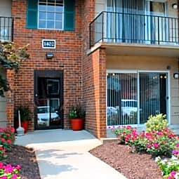 Town & Country Apartments - Richmond, Virginia 23225