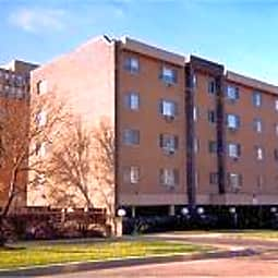 Madison West Apartments - Waukegan, Illinois 60085