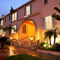 Lindbrook Manor Apartments - Los Angeles, California 90024