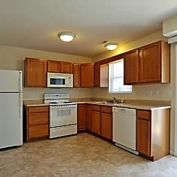 Adams Village Apartments & Townhomes - Bloomington, Indiana 47403