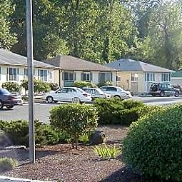 Carlyle Court - Lakewood, Washington 98499