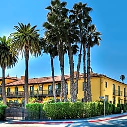 Casa Laguna - Los Angeles, California 90068