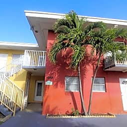 Garden Apartments - Fort Lauderdale, Florida 33304