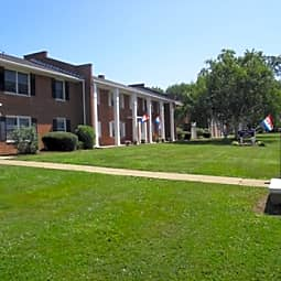 Williamsburg Apartments - Wooster, Ohio 44691